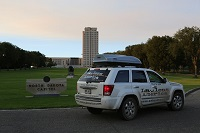 nd-north dakota-bismarck-jeep-at-capitol-lawless-america-movie-2012-08-25-008-200w