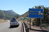 ca-caifornia-border-welcome-sign-lawless-america-movie-2012-09-16 012-200w