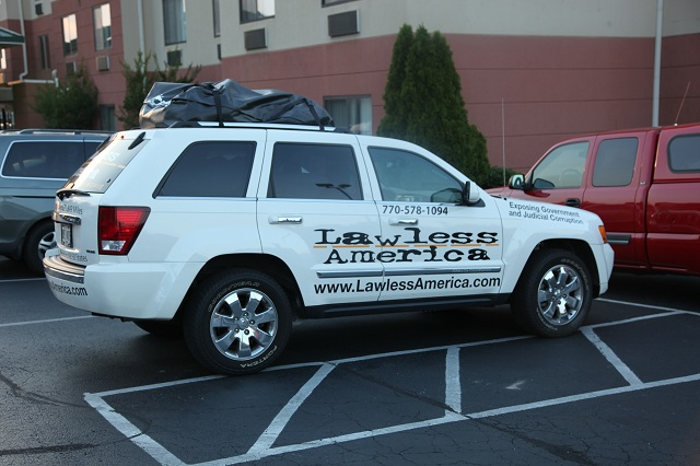 kentucky-georgetown-lawless-america-movie-jeep-at-comfort-inn-2012-06-21 002-640w