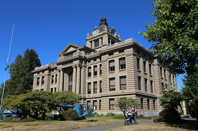 washington-grays-harbor-county-courthouse-lawless-america-movie-2012-09-11 021-640w